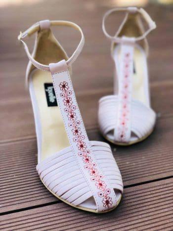 pantofi broderie