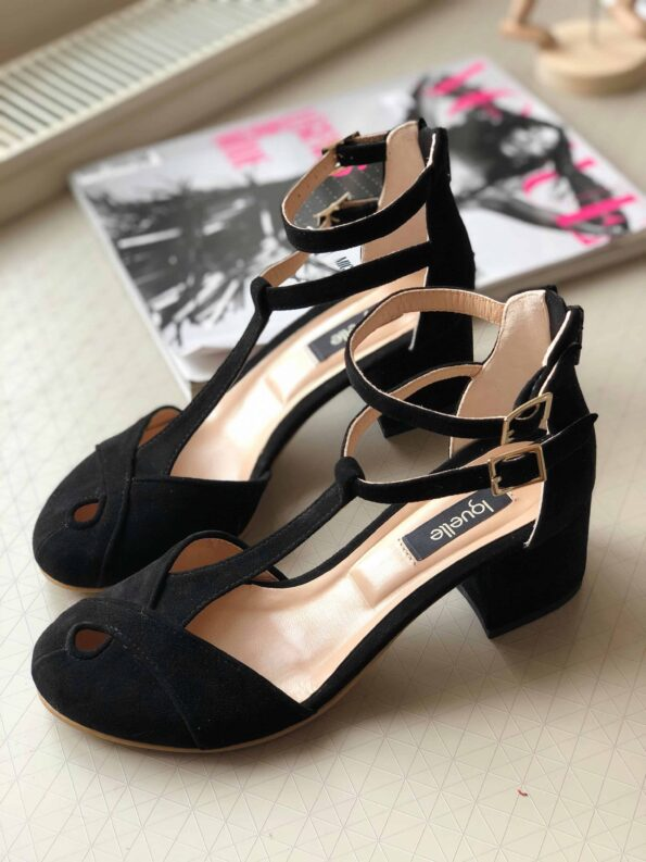 Jackie black Low Heels