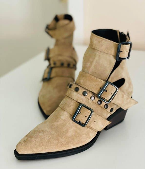 Beaky Boots